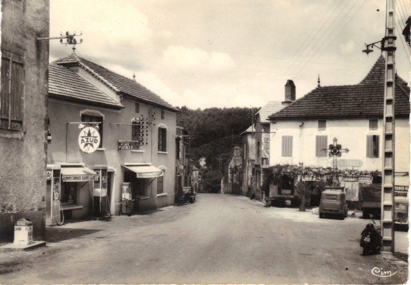 Goujounac centre village